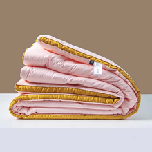 China Wholesale Business Hotel Comforter Set Silk Allergen Free For Summer